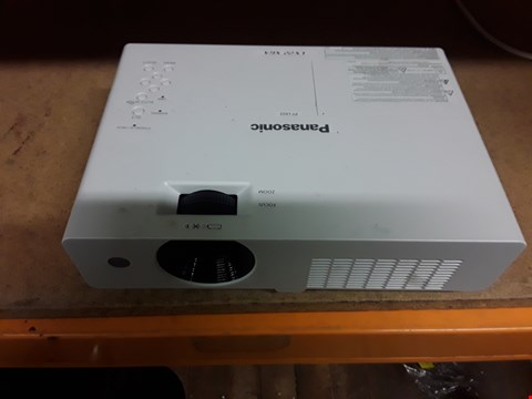 Lot 4107 PANASONIC PT LX22 LCD PROJECTOR