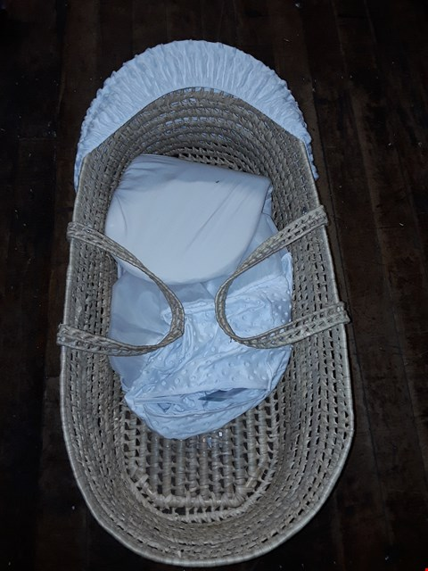 Lot 1542 CLAIR DE LUNE DIMPLE PALM MOSES BASKET RRP £49.99