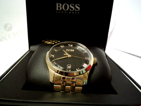 Lot 5511 BOSS MASTER BLACK TEXTURED AND GOLD DETAIL DATE DIAL GOLD STAINLESS STEEL BRACELET MENS WATCH RRP £299.00