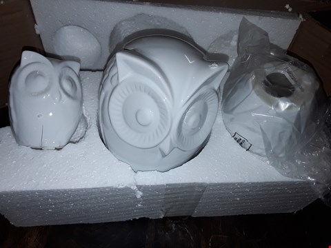 Lot 873 SET OF 3 OWL DECORATIONS  RRP £23