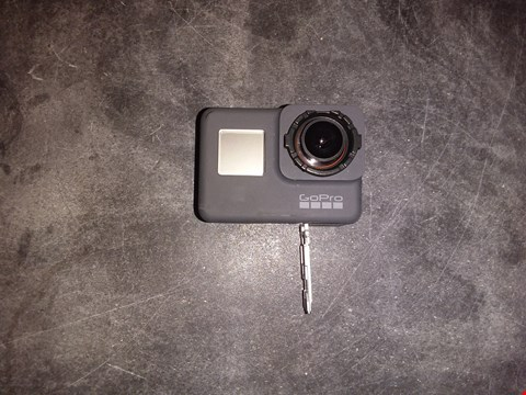 Lot 1813 GOPRO HERO 10MP ACTION CAMERA