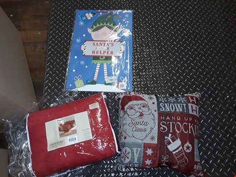 Lot 2556 LOT OF APPROXIMATELY 16 ASSORTED ITEMS TO INCLUDE TEDDY FLEECE DUVET SET, HO HO HO FILLED CUSHION AND SANTA'S LITTLE HELPER GIFT BAG ECT (4 BOXES)