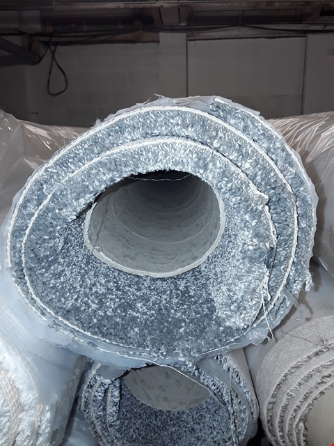 Lot 3053 ROLL OF GREY CARPET, SIZE UNSPECIFIED