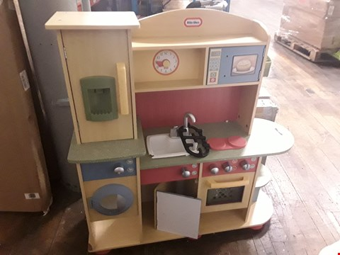 Lot 1445 LITTLE TIKES COOKIN CREATIONS WOOD KITCHEN RRP £239