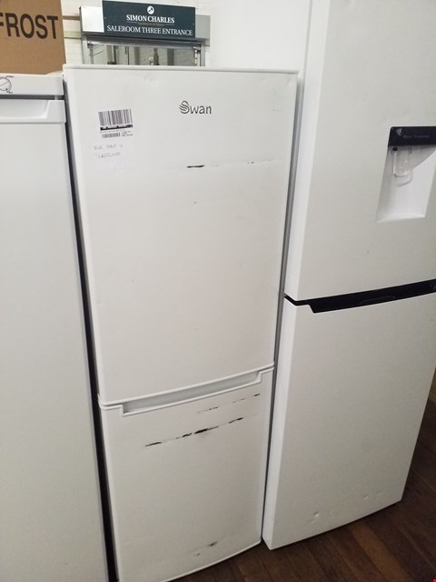 Lot 8519 SWAN SR8180W WHITE 48CM FRIDGE FREEZER  RRP £169.99