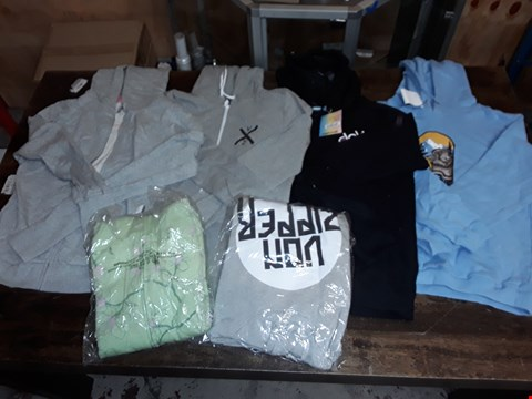 Lot 1707 LOT OF APPROXIMATELY 6 ASSORTED CLOTHING ITEMS TO INCLUDE VONZIPPER HOODIES AND DAKINE JACKETS
