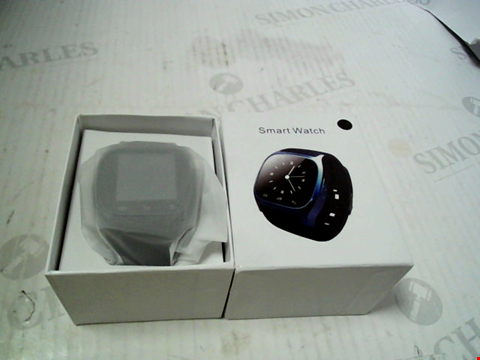 Lot 5661 BOXED UNBRANDED SMARTWATCH