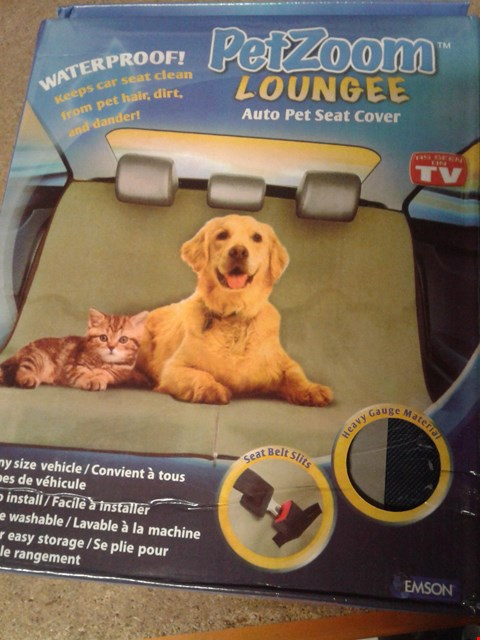 Lot 260 PETZOOM LOUNGEE AUTO PET SEAT COVER