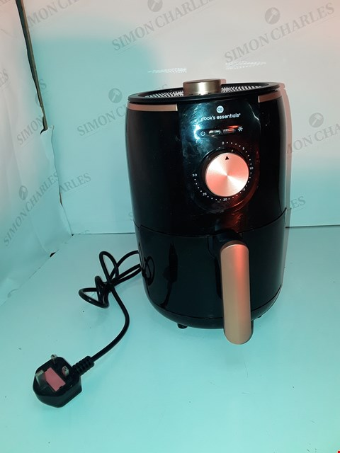 Lot 17 COOKS ESSENTIALS 1.8L COMPACT AIR FRYER