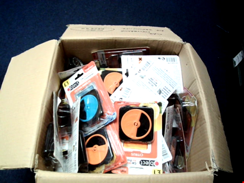 Lot 5781 BOX OF A SIGNIFICANT QUANTITY OF ASSORTED CAR MEMBRANE AIR FRESHENERS