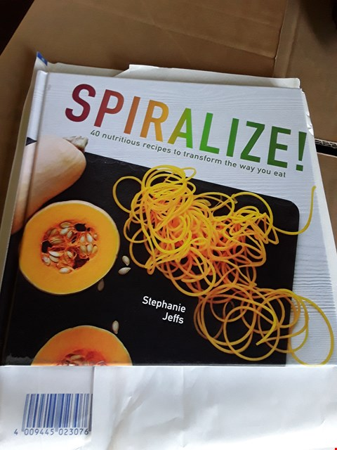 Lot 10389 PALLET OF APPROXIMATELY 546 SPIRALIZER RECIPE BOOKS