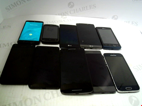 Lot 6103 LOT OF 10 ASSORTED MOBILE PHONES AND SMARTPHONES ETC