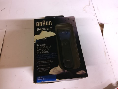 Lot 25 BOXED BRAUN SERIES 3 ELECTRIC SHAVER