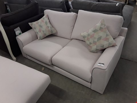 Lot 25 QUALITY BRITISH DESIGNER PALE PINK 2 SEATER SOFA WITH CONTRAST PIPING AND OPTIONAL CHAISE ATTACHMENT