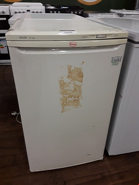 Lot 12030 SWAN WHITE UNDERCOUNTER FRIDGE SR5120W