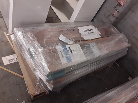 Lot 3291 PALLET OF APPROXIMATELY 20 PACKS OF ASSORTED LAMINATE FLOORING