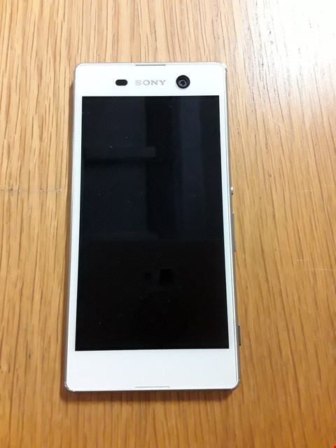 Lot 1090 SONY XPERIA M5 16GB WHITE MOBILE PHONE