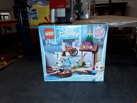 Lot 2065 LEGO DISNEY FROZEN SET