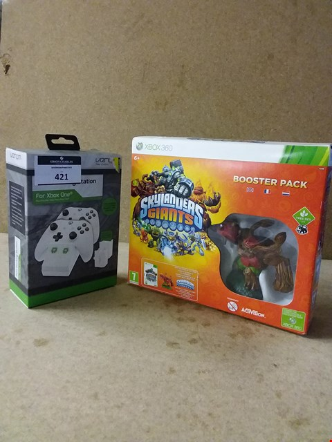 Lot 255 LOT OF 2 ITEMS TO INCLUDE XBOX ONE TWIN DOCKING STATION AND SKYLANDERS GIANTS BOOSTER PACK