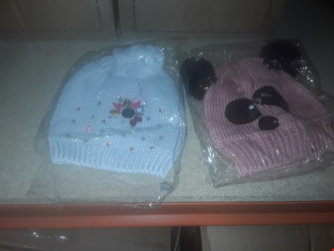 Lot 1120 BOX OF APPROXIMATELY 70 ASSORTED BRAND NEW HATS TO INCLUDE KITTED BOBBLE HATS