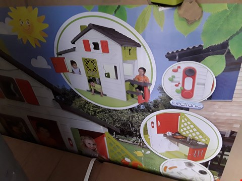 Lot 302 BOXED SMOBY FRIENDS HOUSE & PLAY KITCHEN