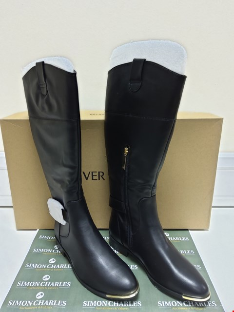 Lot 3026 BOXED PAIR OF RIVER ISLAND TRAVIS BLACK BOOTS SIZE 6