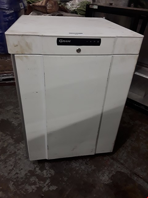 Lot 93 GRAM WHITE UNDERCOUNTER FRIDGE