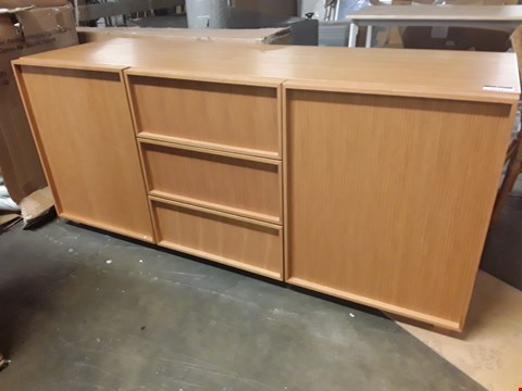 Lot 3115 DESIGNER HABITAT STYLE BEECH LOW SIDEBOARD, 3 CENTRE DRAWERS, 2 END CUPBOARDS RRP £900.00