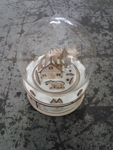 Lot 2363 WOODEN WINTERY SCENE LED DOME  RRP £62