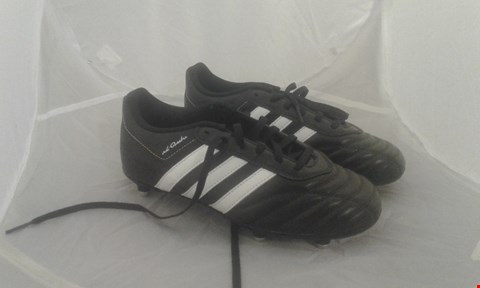 Lot 2001 PAIR OF ADIDAS FOOTBALL BOOTS BLACK/WHITE/GOLD SIZE 4