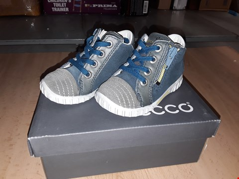 Lot 12268 BOXED ECCO CHILDRENS WARM GREY ZIP/LACE UP BOOTS UK CHILDRENS SIZE 3.5