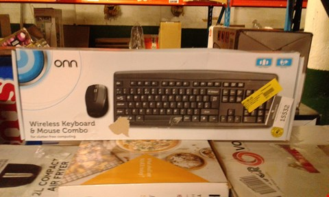 Lot 682 LOT OF APPROXIMATELY 3 NON WIRELESS KEYBOARD AND MOUSE COMBOS