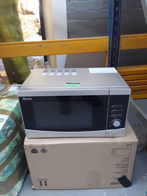 Lot 3418 BOXED SWAN SILVER MICROWAVE  RRP £189.00