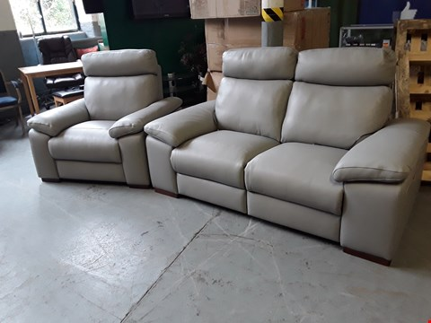 Lot 100 QUALITY ITALIAN DESIGNER PUTTY LEATHER POWER RECLINING 2 SEATER SOFA AND ARMCHAIR