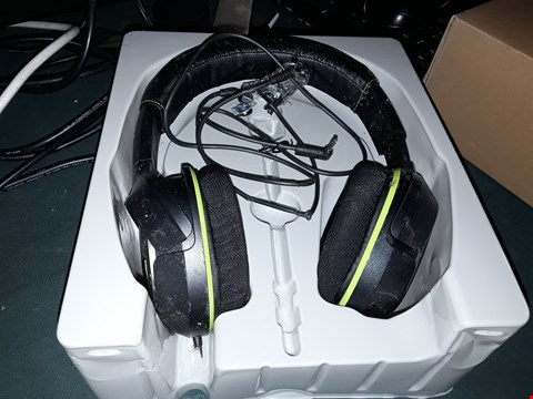 Lot 2547 TURTLE BEACH XO THREE GAMING HEADSET FOR XBOX ONE