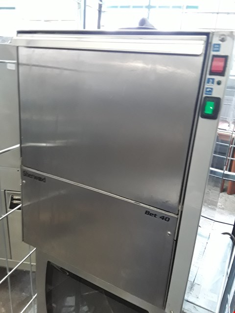 Lot 13562 COMMERCIAL STAINLESS STEEL SHERWOOD GLASS WASHER BET 40