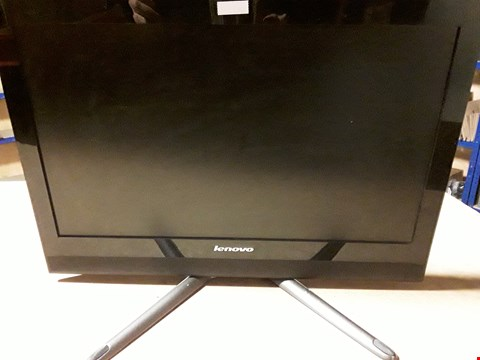 Lot 8113 LENOVO C40-30 ALL-IN-ONE TOUCHSCREEN PC