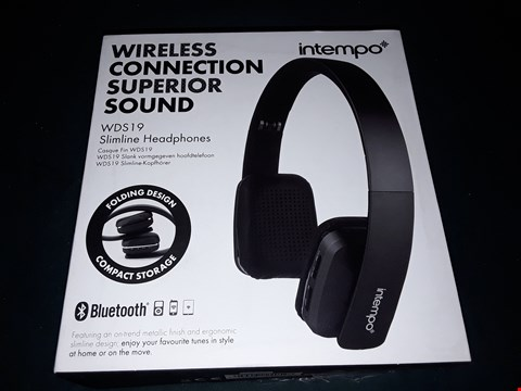 Lot 1009 INTEMPO WIRELESS CONNECTION SUPERIOR SOUND WDS 19 SLIMLINE HEADPHONES