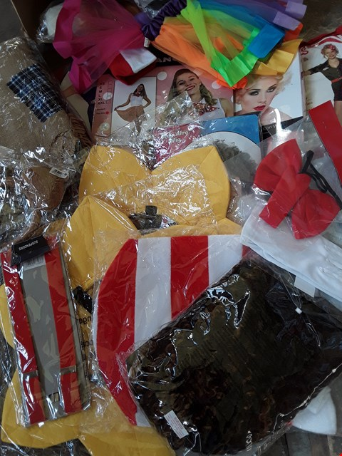 Lot 5044 BOX OF ASSORTED FANCY DRESS ITEMS, INCLUDING COSTUMES, WIGS AND PROPS