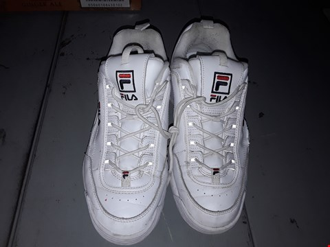 Lot 4045 FILA DESIGNER TRAINERS IN WHITE & RED UK SIZE 9