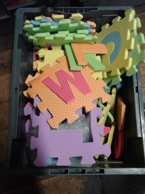 Lot 6033 BOX OF ASSORTED FOAM LETTERS