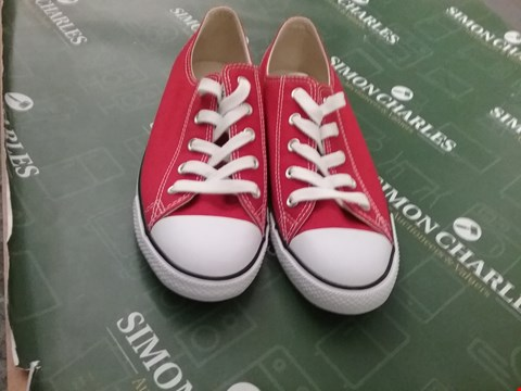 Lot 12184 DESIGNER CONVERSE DAINTY OX VARSITY RED SHOES UK SIZE 6
