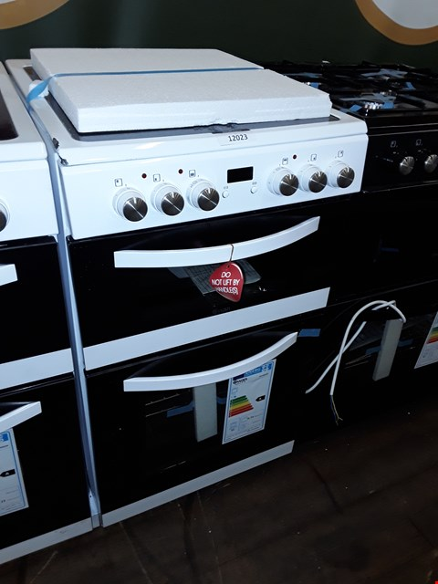 Lot 12023 SWAN SWAN SX15821W 50CM TWIN ELECTRIC COOKER WHITE