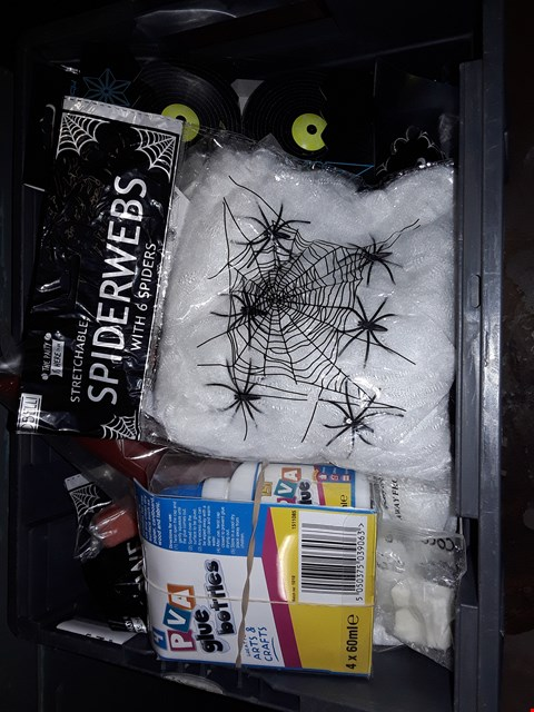 Lot 28 BOX OF ASSORTED ITEMS TO INCLUDE SUPER STICKY KUSH, STRETCHABLE SPIDERWEBS, 4 PVA GLUE BOTTLES