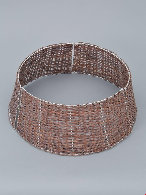 Lot 1043 BRAND NEW BOXED RATTAN CIRCULAR TREE SKIRT (1 BOX) RRP £27.99