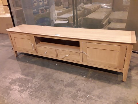 Lot 7007 GRADE 1 OAK LOW TV UNIT