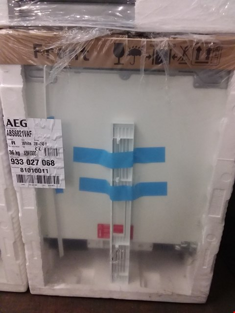 Lot 6046 BOXED AEG ABS6821VAF 60CM UNDER COUNTER REFRIGERATOR  RRP £358