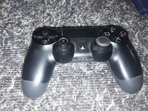 Lot 7371 PLAYSTATION 4 WIRELESS CONTROLLER  RRP £50