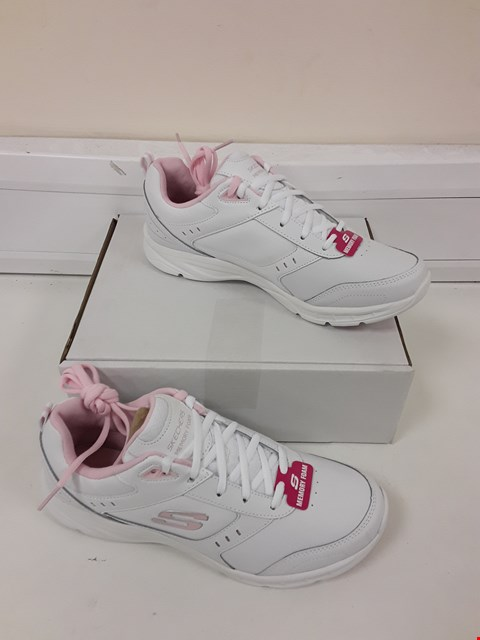 Lot 495 SKETCHERS MEMORY FOAM PINK/WHITE TRAINERS SIZE 8