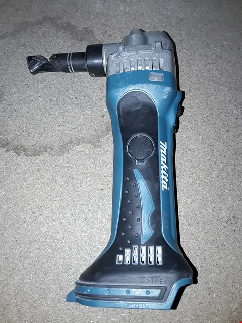 Lot 369 MAKITA DJN161Z 18 V LI-ION LXT NIBBLER